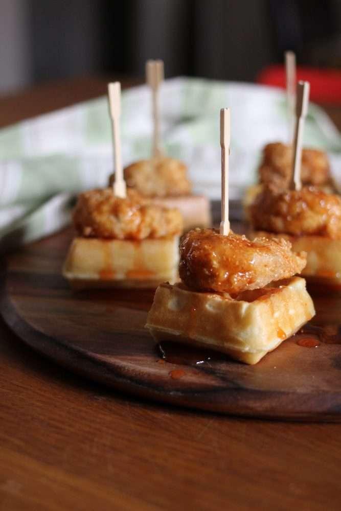 Bangin' Shrimp & Waffles with Honey, Sriracha and Lime Syrup www.dailytiramisu.com